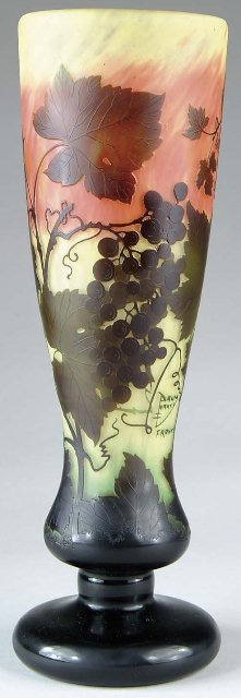 daum_nancy_grapes_vase_47